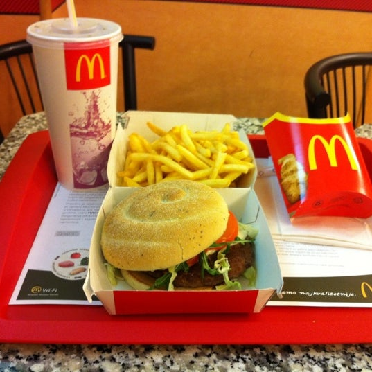 Photo taken at McDonald's by Ivan K. on 3/27/2012
