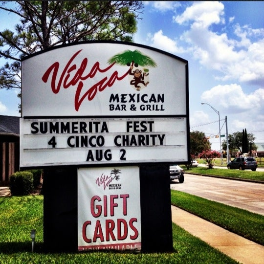 Photo taken at Vida Loca's Mexican Bar And Grill by Shannon S. on 7/27/2012