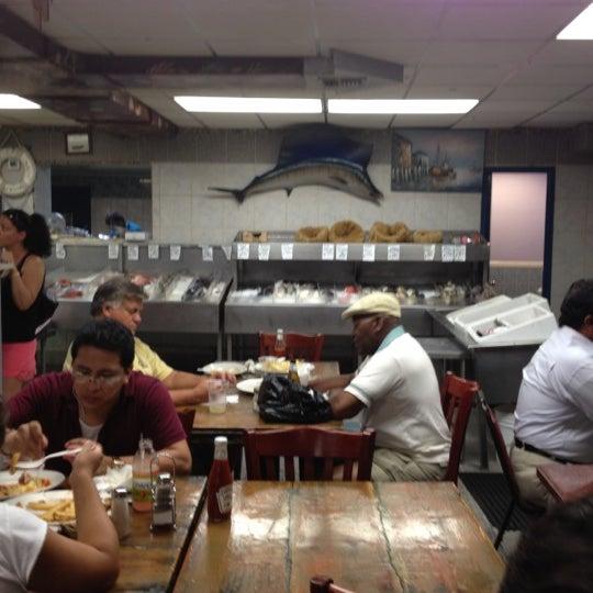 Astoria seafood seafood restaurant for Fish market queens