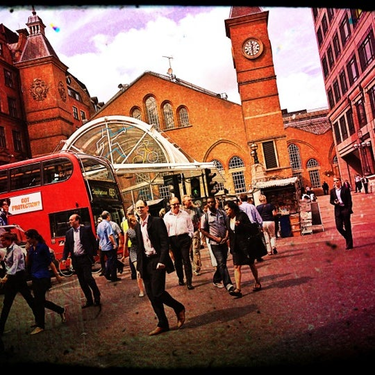 Photo taken at London Liverpool Street Railway Station (LST) by Djaia on 8/22/2012