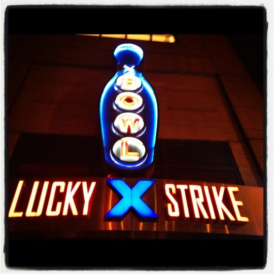 Photo taken at Lucky Strike New York by Don B. on 4/1/2012