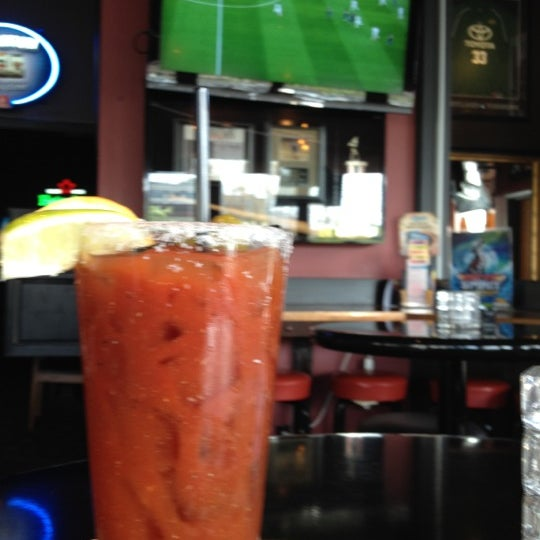 Photo taken at On Deck Sports Bar & Grill by Oscar P. on 4/21/2012