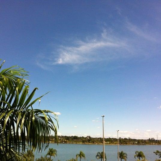Photo taken at Coco Bambu Frutos do Mar by Rodrigoh H. on 3/27/2012