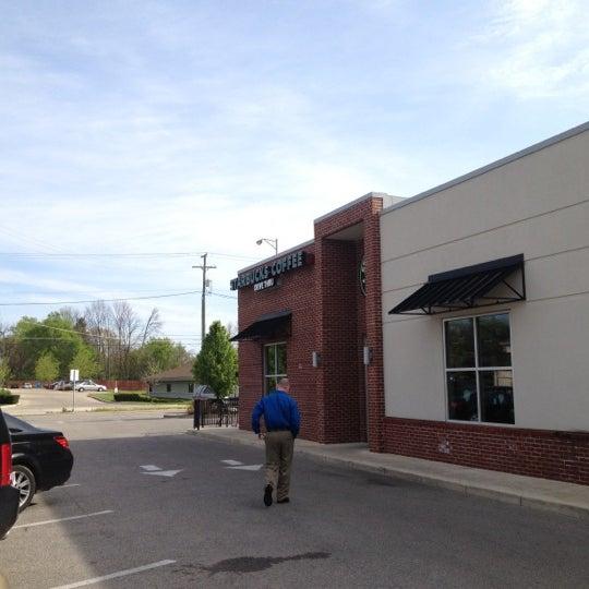 Photo taken at Starbucks by Steve U. on 4/17/2012