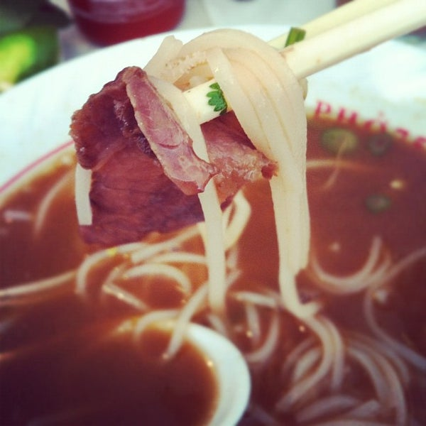 Photo taken at Pho 75 by Chanda H. on 2/26/2012