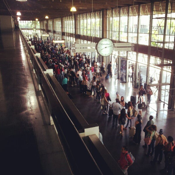 Photo taken at Terminal Rodoviário Governador Israel Pinheiro by Leandro d. on 4/6/2012