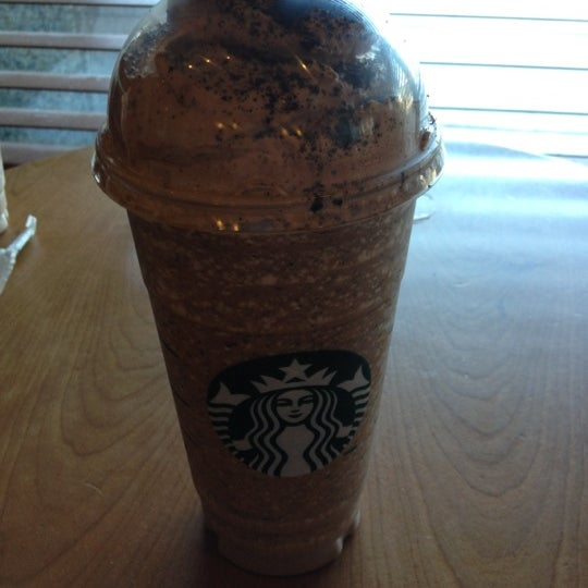 Photo taken at Starbucks by Rzii on 7/29/2012