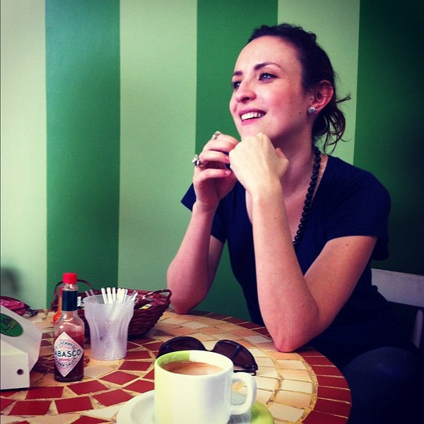 Photo taken at Divina Quitanda by Priscilla F. on 5/2/2012