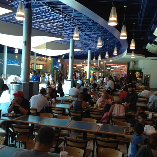New Town Plaza Food Court In Hong Kong: American Restaurant In Bayamón