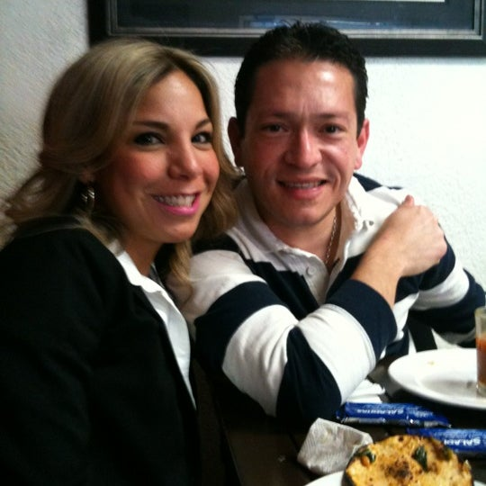 Photo taken at Mariscos Willys by Rafael H. on 2/18/2012