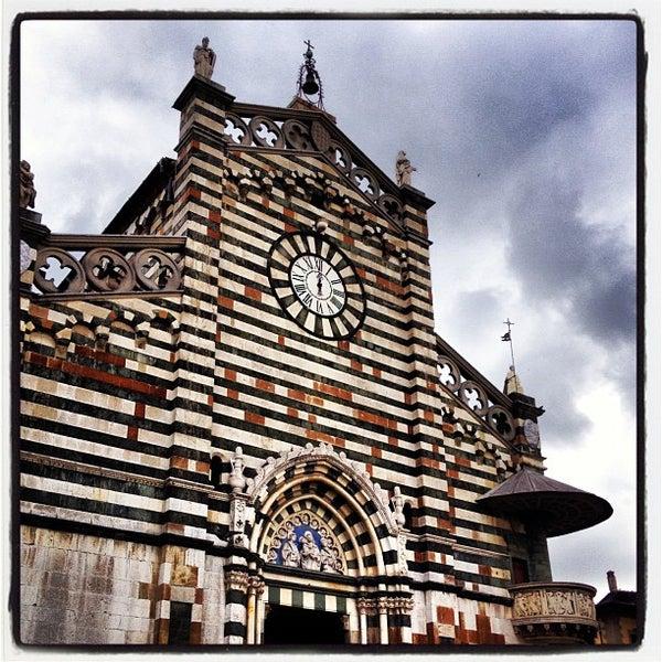 Duomo di prato piazza duomo for Piazza duomo prato