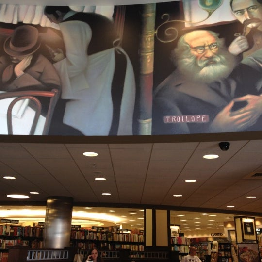 Photo taken at Barnes & Noble by Cristina J. on 6/14/2012