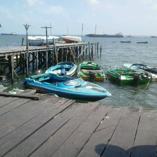 Photo taken at Pelabuhan Speedboat Kampung Baru by Wilyam H. on 6/15/2012