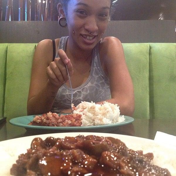 Photo taken at Aloha Kitchen by Yoshi H. on 9/11/2012