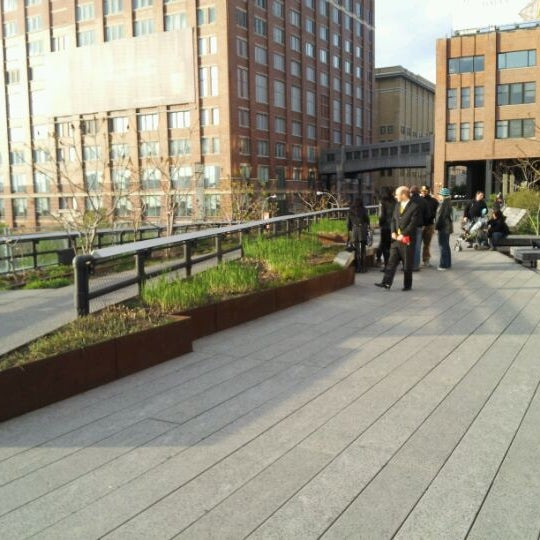 Photo taken at High Line 10th Ave Amphitheatre by Greg S. on 4/11/2012