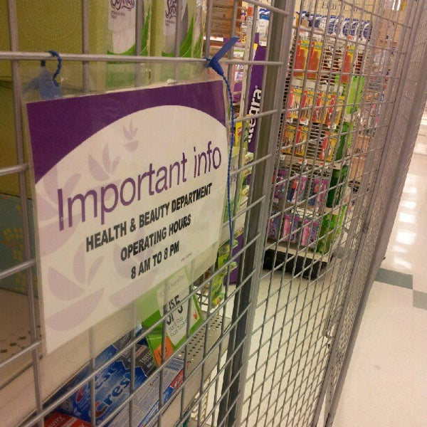 Photo taken at Stop & Shop by Kelsie S. on 9/12/2012