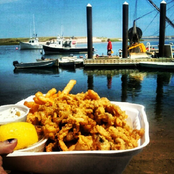 Chatham fish pier 38 tips from 1237 visitors for Cape cod fish market