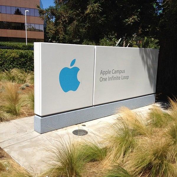Photo taken at Apple Inc. by Hidekazu I. on 8/8/2012