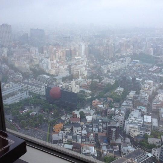 Photo taken at 叙々苑 恵比寿ガーデンプレイス店 by Shinsaku Y. on 6/9/2012