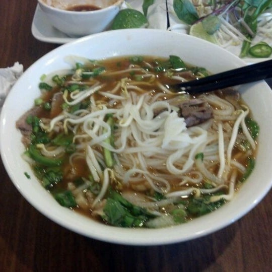 Photo taken at Bowl of Pho by Sergio B. on 3/14/2012