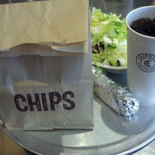 Photo taken at Chipotle Mexican Grill by MAN on 3/12/2012