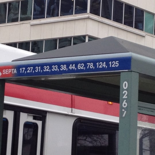 Photo taken at SEPTA MFL/TRL 15th Street Station by Ugochukwu O. on 2/24/2012