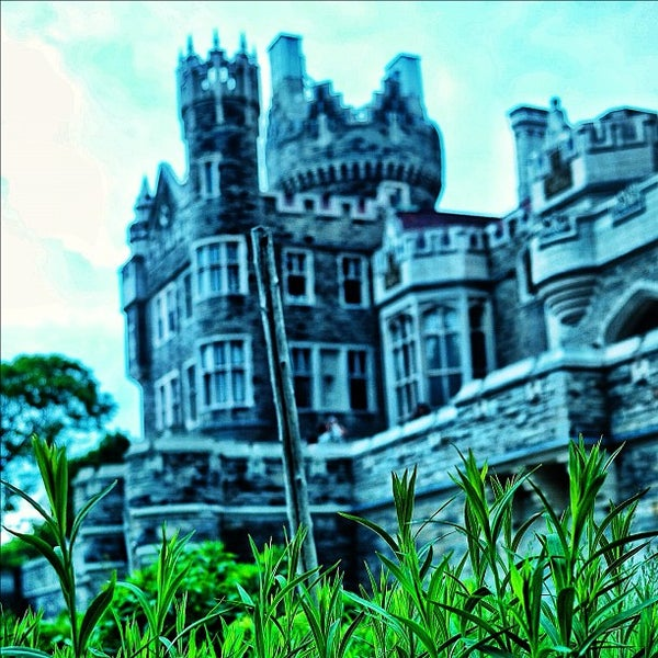 Photo taken at Casa Loma by Vincent L. on 6/10/2012