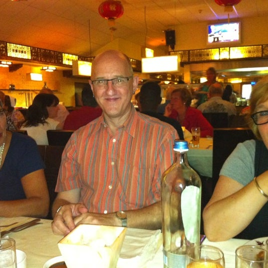 Photo taken at Wok De Mallejan by Chantal W. on 8/29/2012