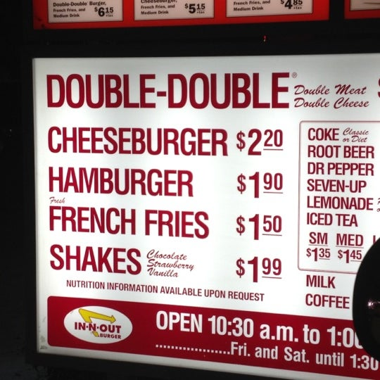 Photo taken at In-N-Out Burger by Lisa K. on 3/5/2012