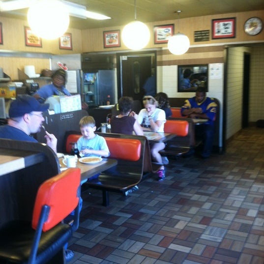 Photo taken at Waffle House by Jacob E. on 6/17/2012