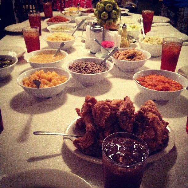 Mrs Wilkes Dining Room Savannah: Mrs. Wilkes Dining Room At 107 W Jones St Savannah, GA