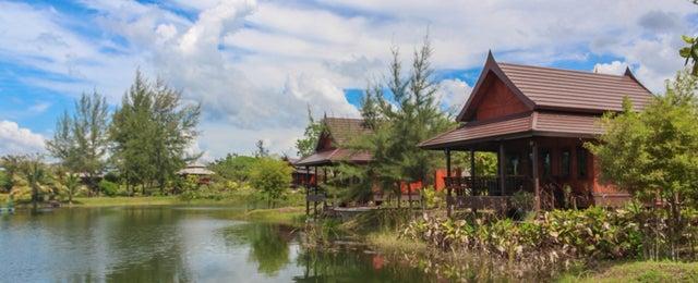 Photo taken at ThaiLife Homestay Resort & Spa by Tanya G. on 12/8/2014
