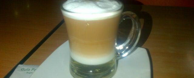 Photo taken at Yukiru Food, Coffee and Tea by Endro N. on 10/29/2013