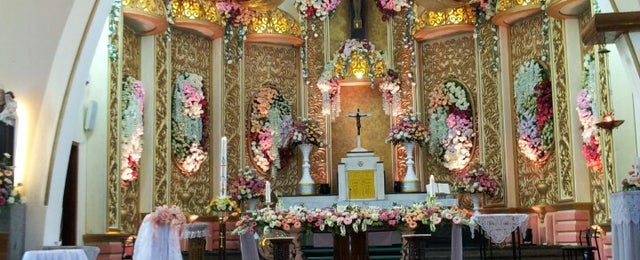 Photo taken at Gereja Katolik Katedral Santa Perawan Maria Dari Gunung Karmel by Evi P. on 5/4/2013