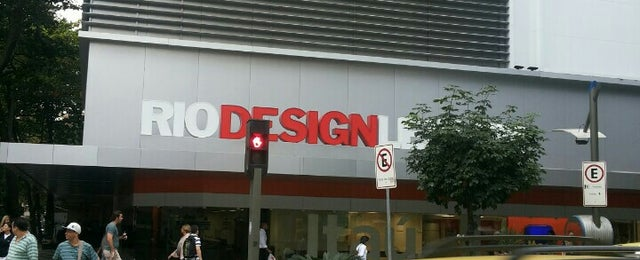 Photo taken at Rio Design Leblon by Jéssica M. on 8/17/2013