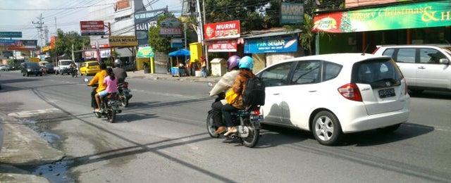 Photo taken at Burjo Murni Jakal by Risang K. on 1/2/2013