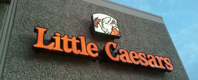 Photo taken at Little Caesars Pizza by Carlos R. on 11/9/2011
