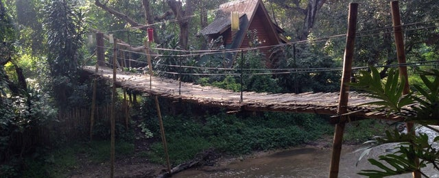 Photo taken at อมก๋อยรีสอร์ท by เจ้าชายเกิบแตะ ล. on 10/7/2014