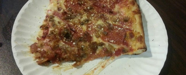 Photo taken at La Bella Slices and Ices by Gary P. on 7/23/2013