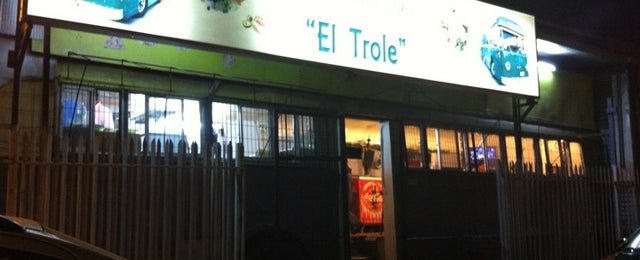 Photo taken at Camion de comida El Trole by AcidPulpo on 2/26/2012