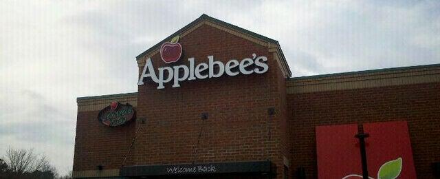 Photo taken at Applebee's by L'Vaughn S. on 2/11/2012