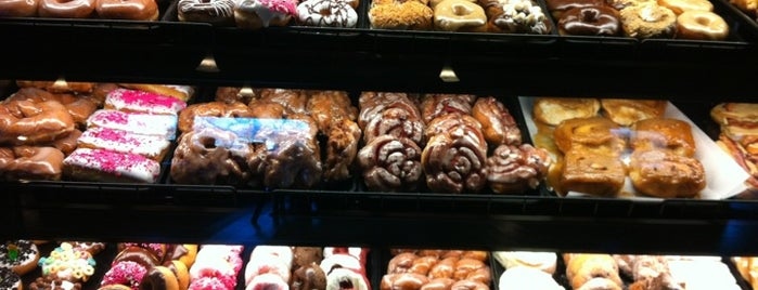 YoYo Donuts & Coffee Bar is one of Mill City Love.