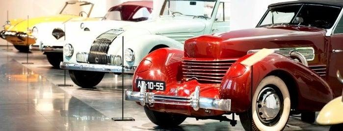 Museo Automovilístico de Málaga is one of Museos en Málaga.