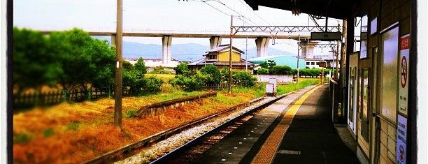Kuroda Station is one of 近鉄田原本線.