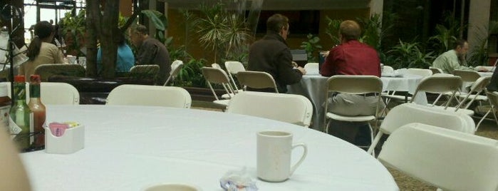 Embassy Suites by Hilton Des Moines Downtown is one of Monavie Offices and meeting places..