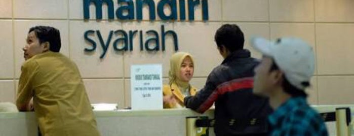 Bank Syariah Mandiri is one of working.