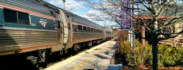 Amtrak is one of UNH Sustainability.