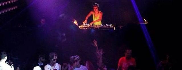 Move Music is one of Night de Vitorinha.