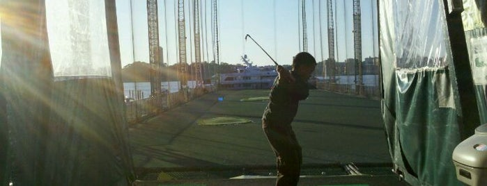 The Golf Club at Chelsea Piers is one of Golf Course & Driving range arround NYC.