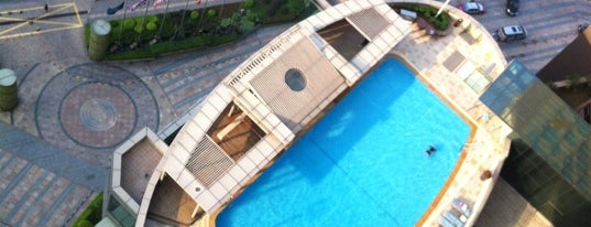 Swimming Pool At Four Points By Sheraton is one of Mon Carnet de bord.